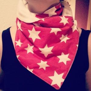 Rot mit Sternen